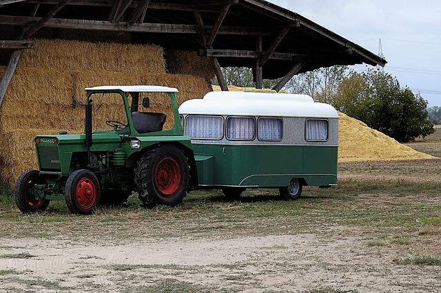 stodola slaměných balíků