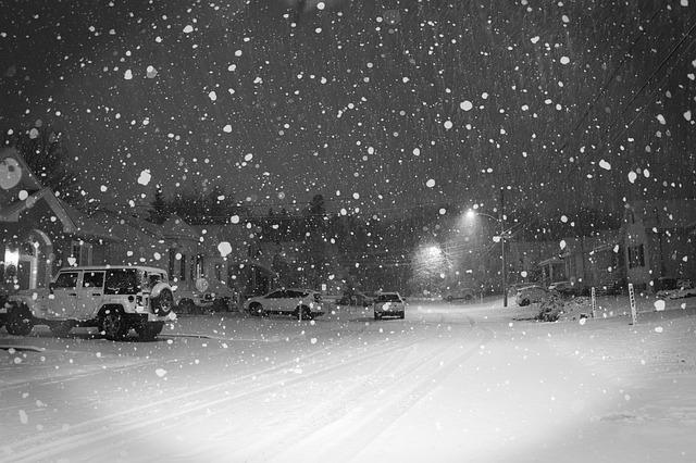 sněžení ve městě